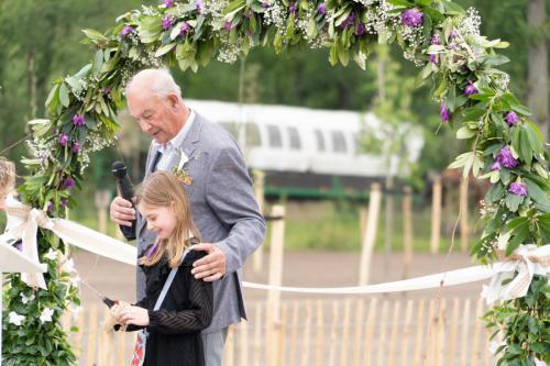 Feestelijke opening door Dhr. Zeeman met zijn kleindochter